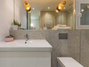 Reforma interior de vivienda en Badalona. Bany