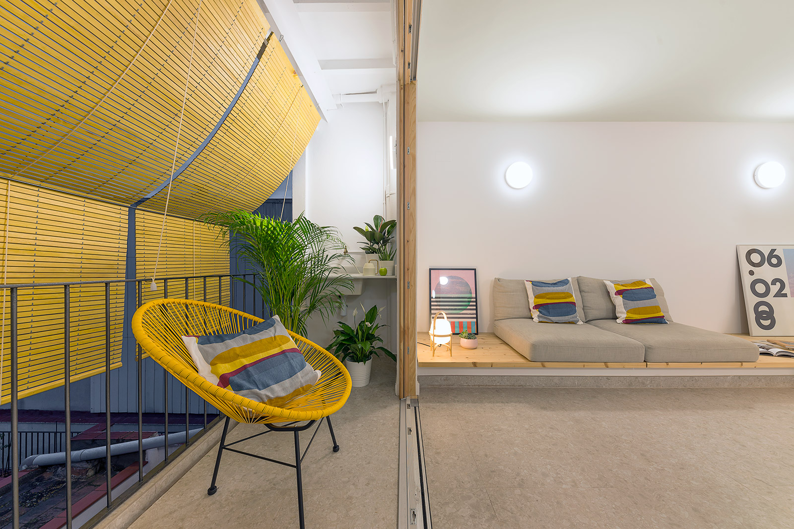 Reforma interior de vivienda en Badalona. Sala i balcó